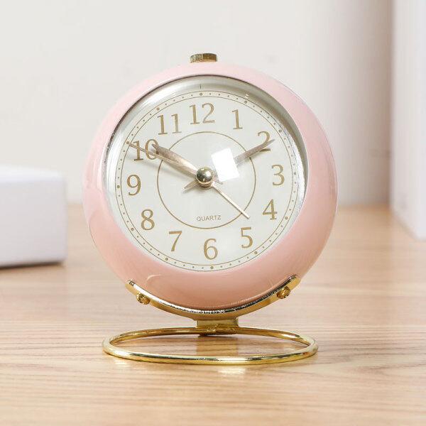 Phong cách bắc âu đồng hồ báo thức học sinh trang trí phòng ngủ đơn giản bàn quả lắc máy tính để bàn câm trẻ em cô gái đồng hồ nhỏ để bàn bán chạy