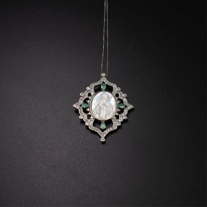 3d0a1f7800 Virgin Mary Pendant Necklace Natural Green Crystal. Cz Shell Pearl Necklace  Statement Jewelry Fr Women