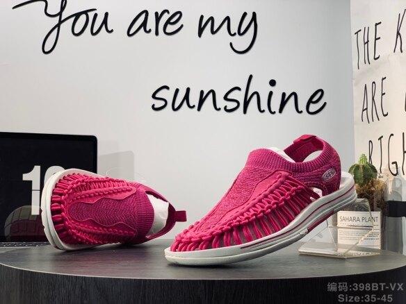 Giày Xăng Đan Thể Thao Nam Nữ Giày Xăng Đan Đi Biển Thời Trang Cá Tính Thường Ngày Đế Chống Mòn Và Chống Trượt Tạo Cảm Giác Thoải Mái Cho Bàn Chân giá rẻ