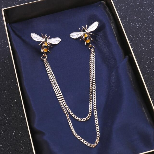 Steampunk clock /& Bee Waistcoat// lapel chain pin
