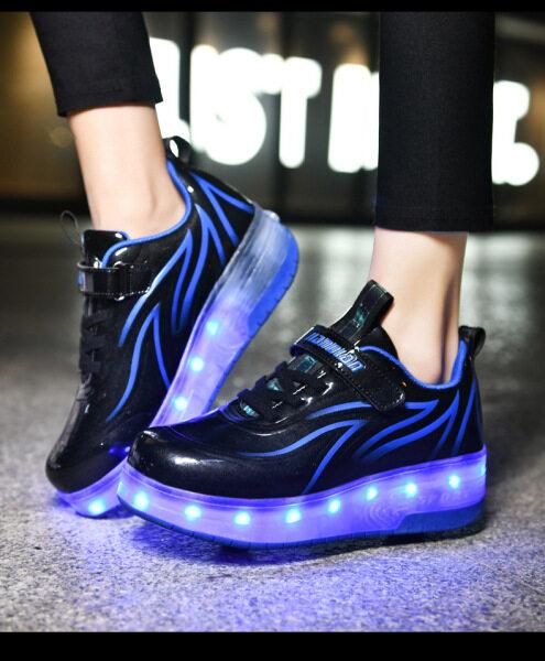 Mua Giày Trượt Patin Giày Trẻ Em Hai Bánh Xe Nhấp Nháy Đèn LED Sạc Được Cổ Điển Mới, Giày Thể Thao