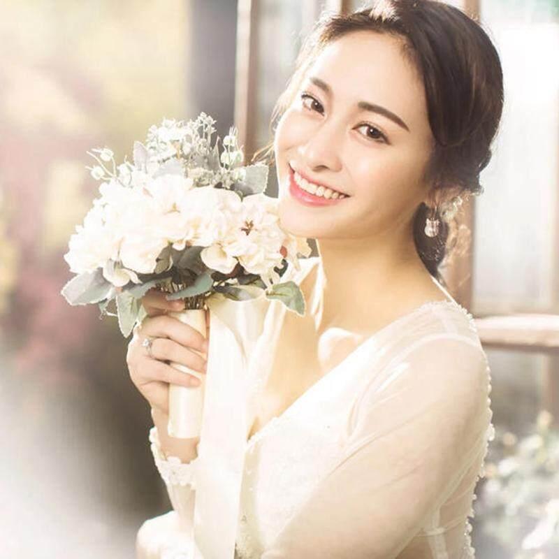 2019 New Style Wedding Dress Photographic Prop Boquet Holder White Tour Filming Studio Exterior Korean Style Bride Model Artificial Flowers