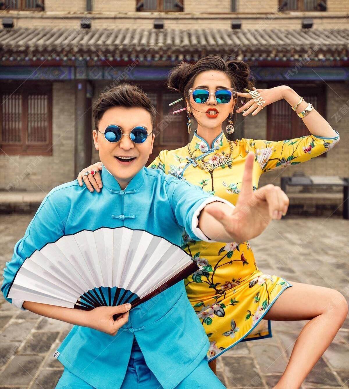 White Fan Raw Silk Bamboo Fan Beauty Ji Celebrity Style Studio Wedding Photography Photographic Prop Folding Fan Wedding Dress as Props