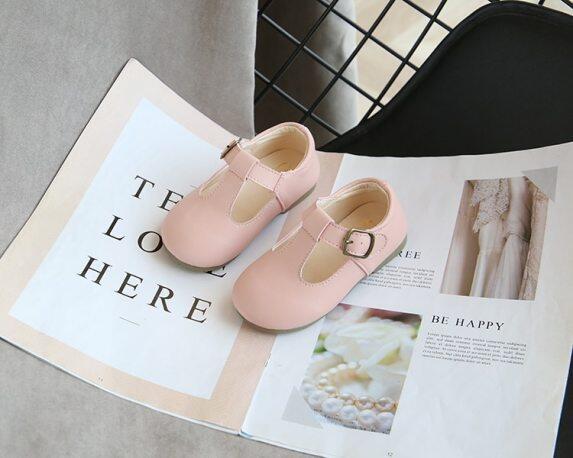 Giày Đơn Giản Cho Bé 2020 Mới Rộng Hàn Quốc Trẻ Em Bé Gái Công Chúa Pu Cao Su Thoáng Khí Khiêu Vũ Đen Giày Bệt Trẻ Em Giày Cho Trẻ Tập Đi giá rẻ