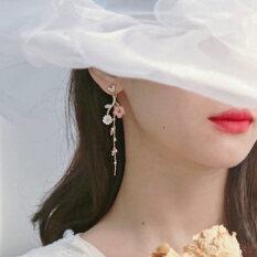 Bông tai nữ hoa ngọc trai bất đối xứng phong cách Hàn Quốc – INTL