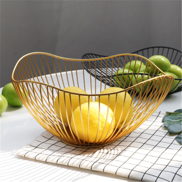 Family sitting room iron art fruit dish large capacity tea table tabletop receives snack irregular candy basket