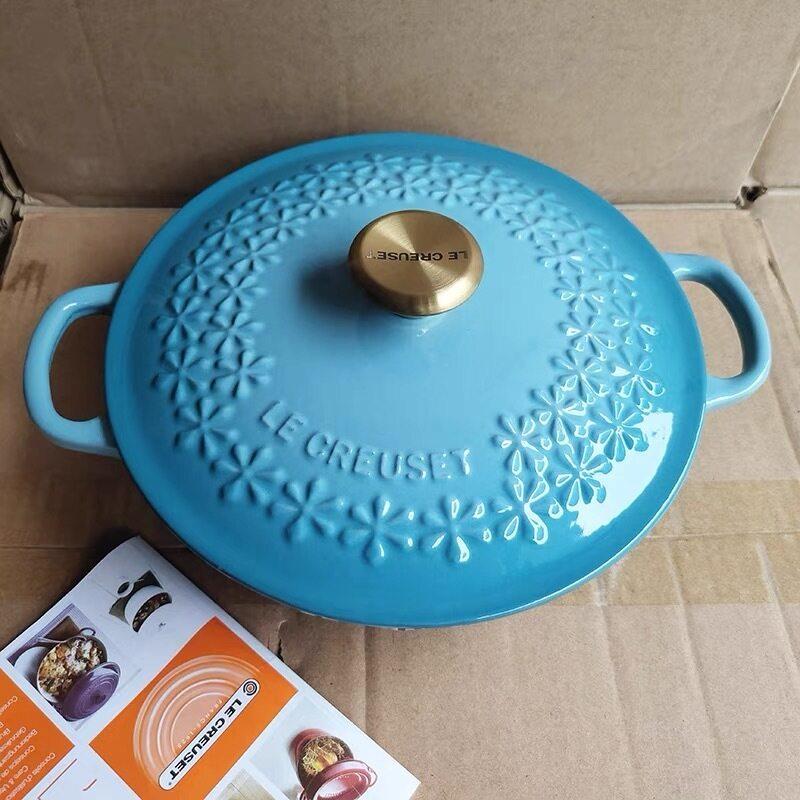 [LOVE YOUR HOUSE] 22cm Japanese cherry blossom relief pot French cool color enamel pot Le creuset cast iron pot stew pot Singapore