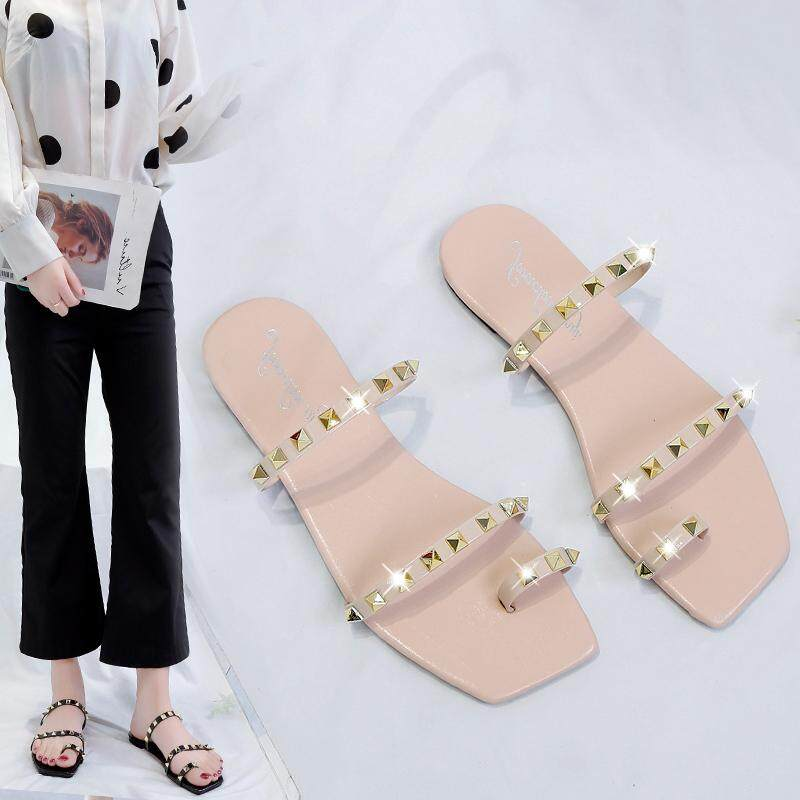 e062cab6686 Joker was thin with rivet sandals female 2019 summer new thick with a word  with Roman shoes student sandals