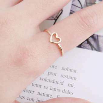 CANDY แฟชั่นของผู้หญิง Simple Hollow Love แหวนรูปหัวใจเครื่องประดับอัญมณี-