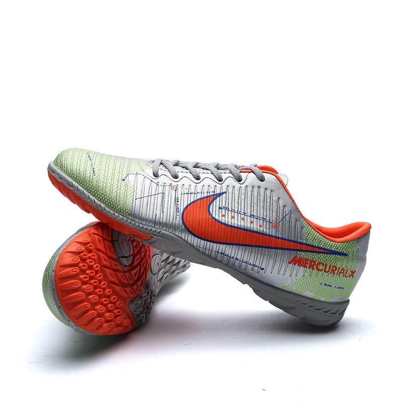 แฟชั่นเด็กกีฬาฟุตบอล Cleats รองเท้าฟุตบอลรองเท้า (เด็กเล็ก/เด็กโต) By Riney.