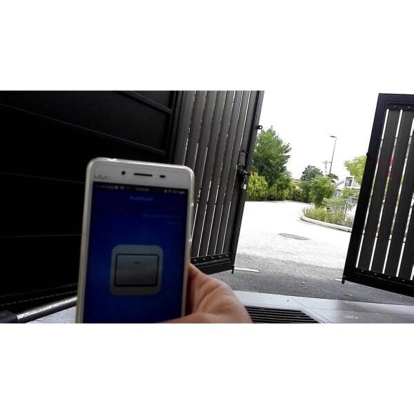 Smartphone WiFi Auto gate Remote Control Opener