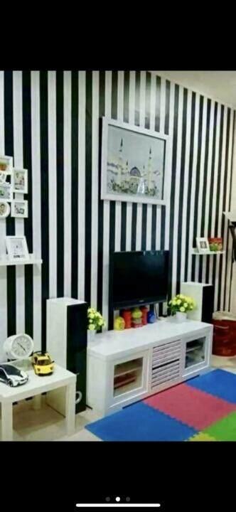 self adhesive-black and white stripe wallpaper
