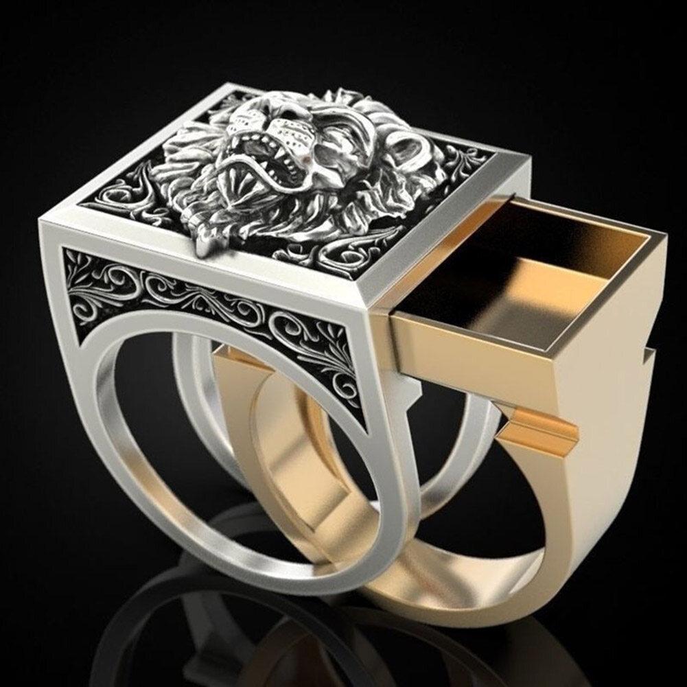 Một chiếc nhẫn gồm hai cái lồng vào nhau bằng bạch kim mặt hình sư tử dành cho nam
