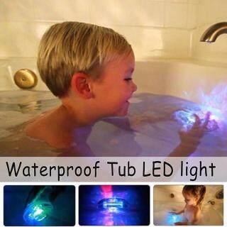 Đèn LED Nổi Bồn Tắm Nhiều Màu Sắc, Đồ Chơi Tắm Phòng Tắm Bể Bơi Cho Bé Không Thấm Nước Lam thumbnail
