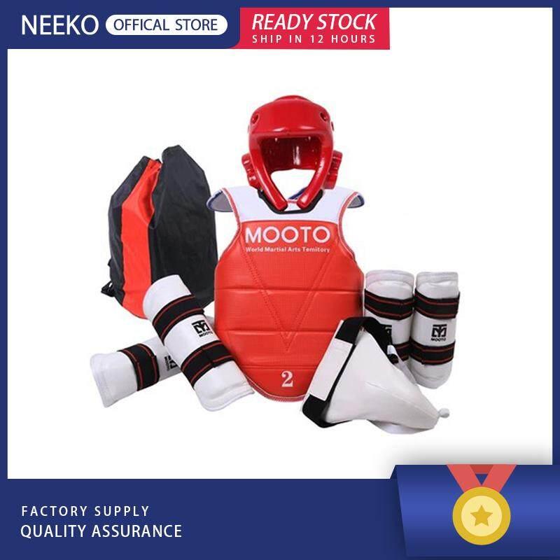 Neeko 「คลังสินค้าพร้อม」รักบี้ Gilbert Headguard Falcon By Neeko.