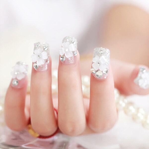 24 Cái/bộ Wedding Bride Nail Art Mẹo 3D Hoa Đề Can Phụ Nữ Móng Tay Ngắn Bọc Hoàn Toàn Giả Móng Tay Giả Với Keo giá rẻ