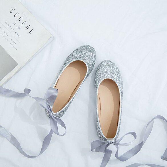 Fairy Giày Giày Mặc Váy Miệng Nông Cộng Với Dây Đeo Nhung Phù Dâu Giày Buổi Tối Của Phụ Nữ Bạc Giày Bệt Sequin Giày Đơn Giày Cưới? giá rẻ
