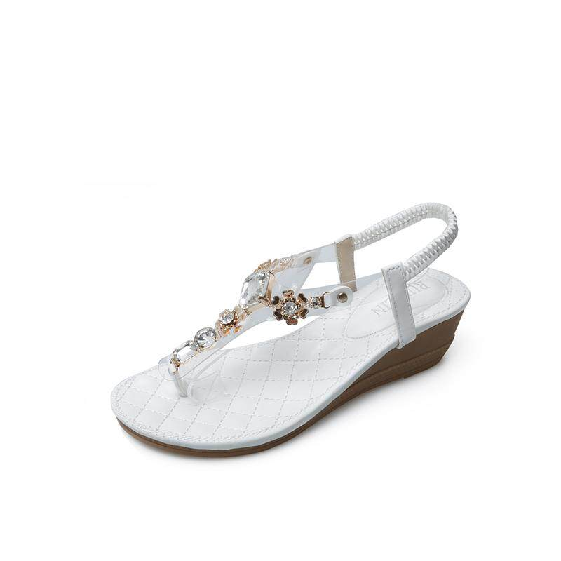 b4979c675ca81 2019 Summer Women s Sandals Bohemians Style Thong Sandal Concise Rhinestone  Decoration Toe Sandals for Girls