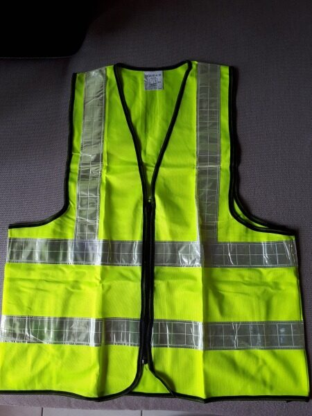 Reflective Safety Vest with Zip Enclosure 4-Reflective Strip Yellow/Red Colour