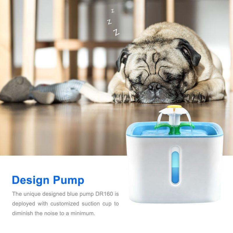 Bình uống nước cho thú cưng, tự động, có đèn Led sạc USB dung tích 2,4L