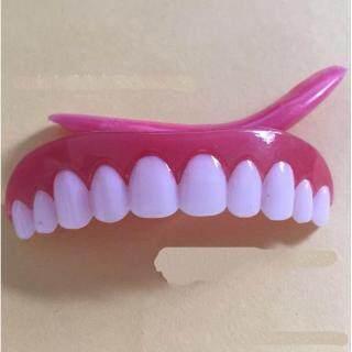 4th Thế Hệ Răng Giả Đẹp Răng Không Thời Gian Trên Nướu Răng Nhựa Trên Răng Hàm Trên Và Hàm Răng thumbnail