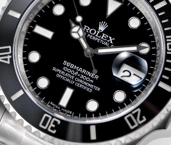 Rolexe Submariner Oyester Perpetual Fashion Busines Fully Stainless Steel 100% Saphir Crystal Glass Full Set 1000ft 300m Water Resistant Superlative Chronograph Officially Certified For Men & Women All Colour Available 100% Free Shipping Malaysia