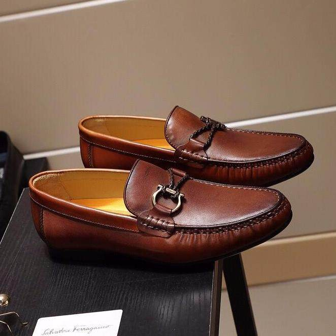 94e3d725a5b Ferra-gamo 2019 classic business men's shoes fashion high-end casual shoes  retro shoes