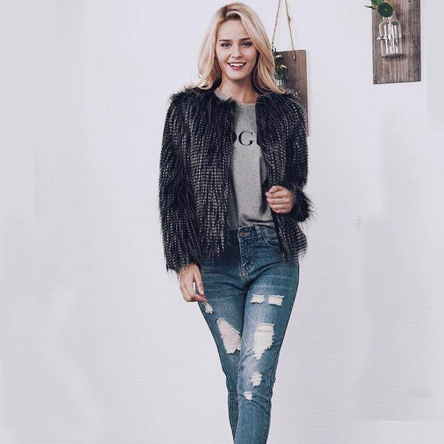 fb4c6b4068b 2018 New Women's Autumn Winter Models Faux Peacock Wool Fox Fur Black and  White Jacquard Jacket