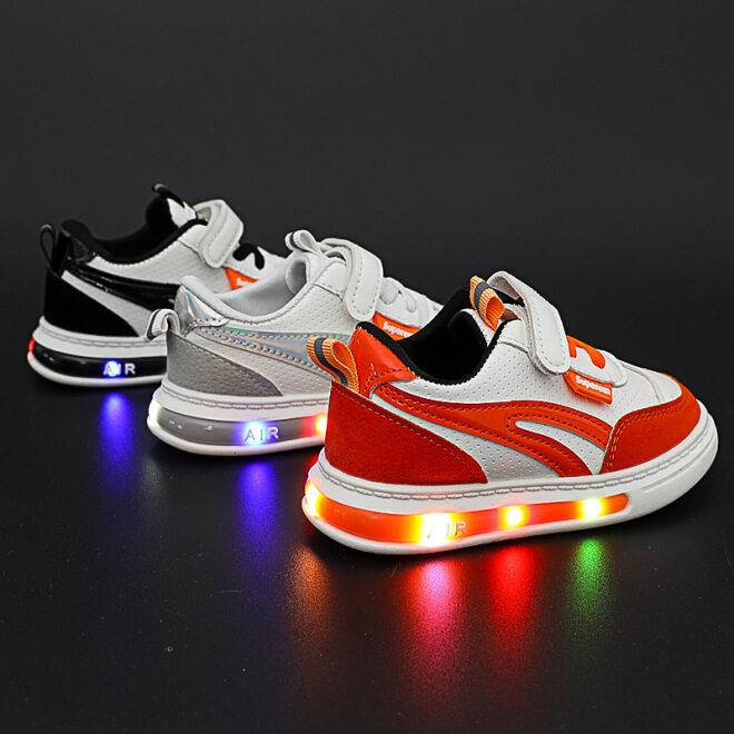 Giày Trẻ Em Led Giày Thể Thao Cho Bé Trai Bé Gái Giày Thường Ngày Hàn Quốc 2020 Thời Trang Mới Mùa Thu 1-3-6 Tuổi giá rẻ