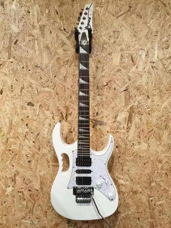 IBANEZ GIO GRG470 White RG series Electric Guitar  + Free Gift Malaysia
