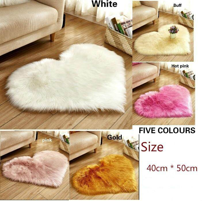 Bedroom&Living Room Floor Long Hairy Rug Cushions Heart Shape Soft Comfortable Faux Fur Rugs Window Door Wool Mat Shaggy Carpet for Home Decor