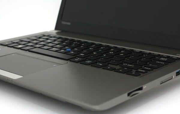 Toshiba Portege Z30-C i7-6600U 6th Gen/ 16GB RAM/ 512GB SSD/ 13.3 FHD Touch Ultrabook Win 10 Pro 3MW Malaysia
