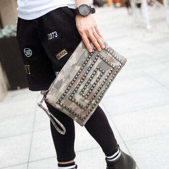 2016 men European retro rivet package camouflage shoulder diagonal cross bag trend envelope Weekender Bags