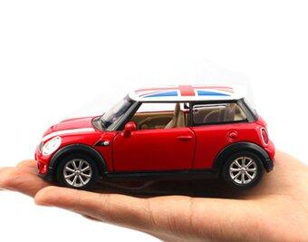 1:30 Pull Back Alloy Diecast Mini Car Model Toy Car Gift (Red)
