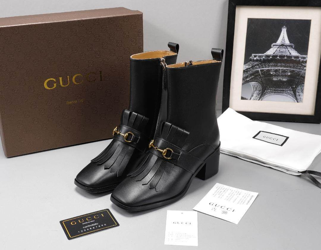 a20ad108701 Gucci women s sheepskin ankle boots with G tassel side zipper high heels  vintage women s shoes fashionable