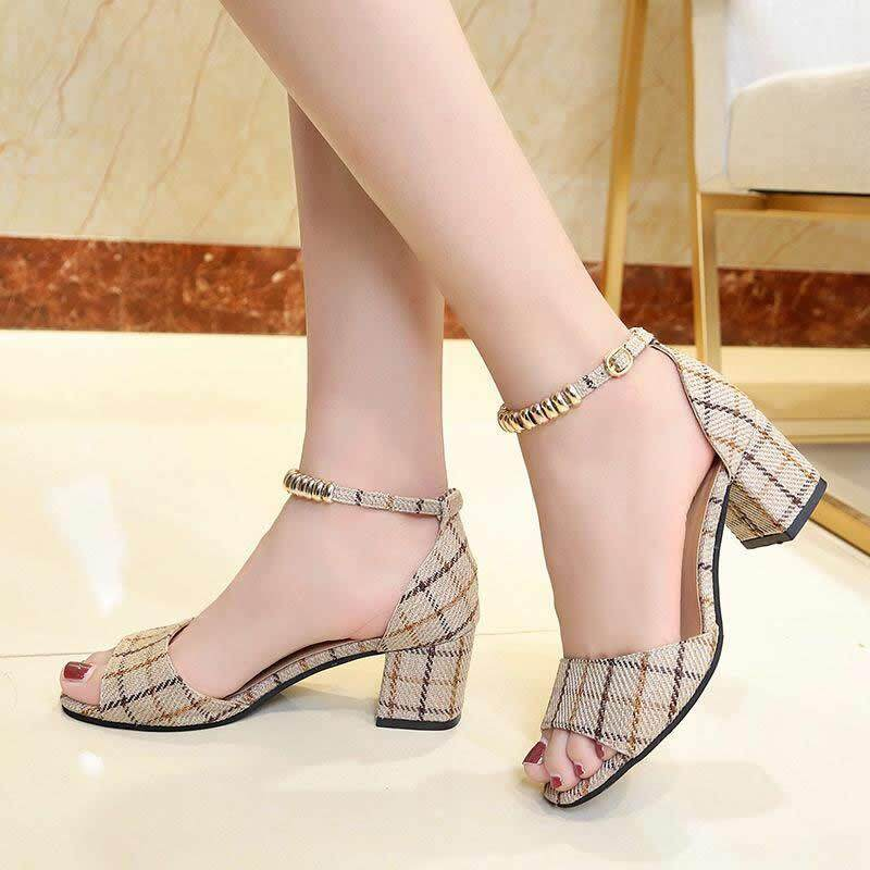 4172d0fe4 Edition Fish Mouth Buckle Sandals❤Off White  Black Heel height 6cm 2.4